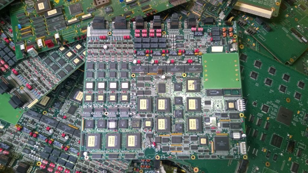 Métaux précieux : place au recyclage des déchets électroniques en Aix
