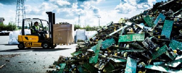 récupérer métaux usagés dans composants électroniques